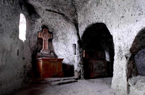 Катакомбы Собора Св.Стефана в Вене. Угроза для здоровья людей из-под земли