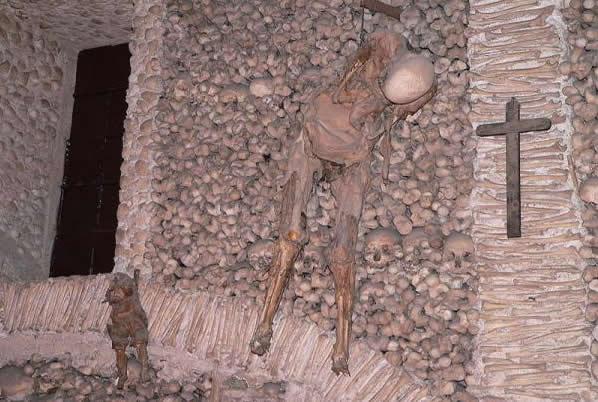 Капелла костей была построена в XVI веке